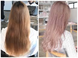毛先に前回の色が残っている髪をホワイトピンクグレージュにする方法
