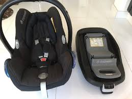 maxi cosi pebble baby car seat 50 and isofix familyfix base 60