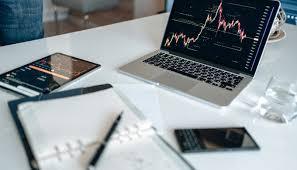株やFX初心者におすすめのノートパソコン10選。取引スタイルに合わせたPCを紹介 | bestme