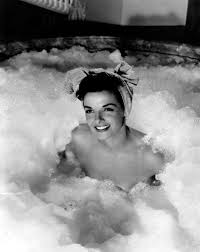 0 bath time marilyn monroe in bel air hotel 1952 cinema bath.
