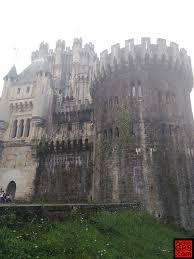 aunque la remodelación fué enorme resulta muy atractiva a pesar que no tiene nada que ver con los castillos de esta zona lástima que se encuentre tan