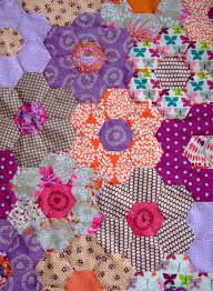 465 best Quilts ~ Grandmother's Flower Garden images on Pinterest ... & These must be hexagons. The maker says she printed 2 per sheet of paper.  Advocating use of large hexagons so the project grows in size faster than  with tiny ... Adamdwight.com