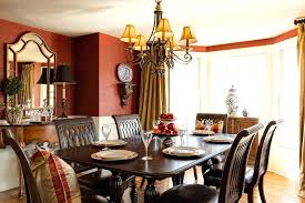 wall decor for traditional dining room