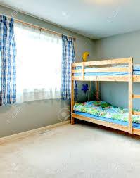 Gemütliches Schlafzimmer Für Kinder Mit Plissee Zweistöckigen Bett