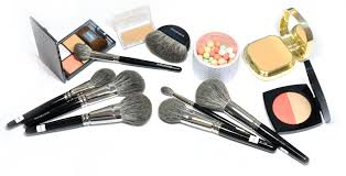 hakuhodo is launching new brushes a brand new mix white saikoho goat and grey squirrel this new mix will replace their usual d goat squirrel mi