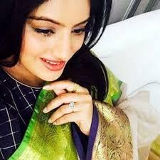 diya aur baati hum actress deepika singh flaunts her baby p