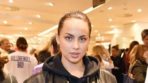 Kasia lenhardt, exnovia del jugador del bayern de múnich, jérôme boateng, ha sido hallada muerta este martes en su apartamento de berlín a sus 25 años. X9qtawtapylqlm