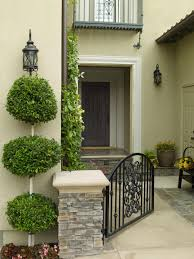 Curb Appeal Tips for Mediterranean-Style Homes | HGTV
