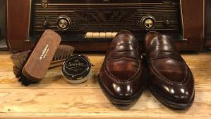 shoe care how to mirror shine your leather shoes