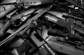 Місцевого мешканця звільнено від кримінальної відповідальності за добровільну здачу зброї правоохоронним органам