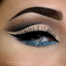 aqua blue eye liner for striking eyes