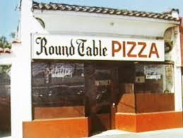 the first round table pizza restaurant in menlo park