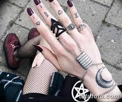фото тату на пальцах 16122018 112 Photo Tattoo On Fingers