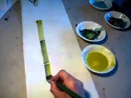 pincel pintando. pincel pintando