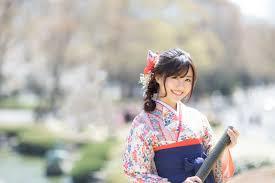 卒業式に袴を着用するなら好きなヘアスタイルを楽しめるウィッグが
