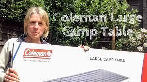 Avis sur la table pliable Coleman, idéale pour les rendez-vous en famille !