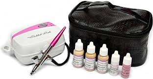 this por airbrush makeup kit uses water based makeup to provide even poreless coverage the makeup is even infused with aloe juice to ensure the