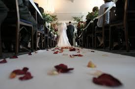 結婚式ヘアアクセ33選お呼ばれのマナーやヘアスタイルも解説 Lovely