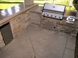 Cobblestone Kitchen Floor Selecting Outdoor Kitchen Flooring Diy
