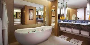 bay suite bathroom