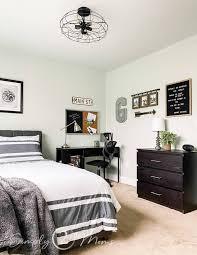 ideas for a teen boy bedroom wall decor