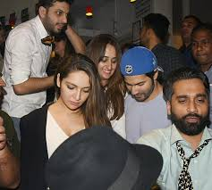 varun dhawan and natasha dalal spotted on a dinner date 201802 1151657 buzzinviral