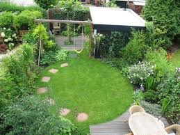 Small Picture Small garden design integrates a central circular lawn with a