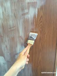 Primer For Kitchen Cabinets Use A Bonding Primer Before Painting Cabinets Diy Kitchen
