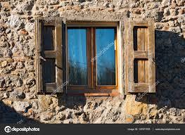 Fenster Mit Fensterläden Aus Holz Toskana Italien Stockfoto