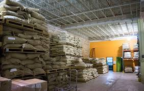 The chicago importer, roaster, and wholesaler delivers premium roasted coffee beans to foodservice and retail food customers, including the upscale dining establishment, charlie trotter's, and specialty grocery retailer, whole foods. Intelligentsia Coffee Tea Office Photos Glassdoor