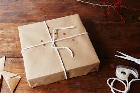 best tips for gift wrapping a present