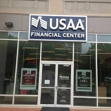 photo taken at usaa financial center by ein o on 5 20 2016
