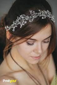Свадебный венок из стеклянного бисера | Бисер в волосах, Свадебные шиньоны, Свадебные аксессуары для волос