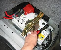 similiar 2006 bmw 325i battery replacement keywords bmw e90 style 95 besides bmw 325i battery location furthermore 2008