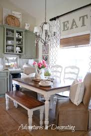 farmhouse dining room design with a simple three color scheme