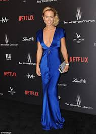 chic showcasing a generous glimpse of cleavage in the plunging number the blonde beauty