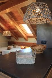 Soffitto In Legno Illuminazione : Migliori idee su soffitti in legno soffitto con