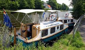 Small Picture Pedaling Afloat with Phil Thiels Tiny Houseboats
