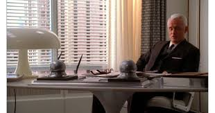 roger sterling office. Roger Sterling\u0027s Office Is Decked Out With A White, Mushroom-shaped | Pictures Of Furniture From Sterling Cooper Draper Pryce In Mad Men POPSUGAR Home