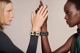 A Wearable Women Want to Wear? Behind Intel's <b>New Smart Bracelet</b>.
