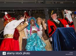 Cinderella Panto People S Light London Uk 22nd November 2017 Mayor Brooks And The Cast