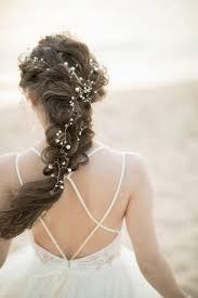 花嫁髪型の新定番フィッシュボーンバブルポニーテールがおしゃれ