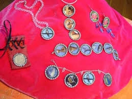 recycle bottle caps into pendant or charm bracelet