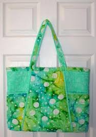 Homemade Quilted Bags Patterns Free | Purse, Bag and Tote Quilt ... & Bold and Beautiful Quilted Tote Bag Adamdwight.com