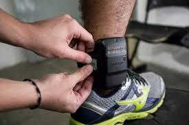 Resultado de imagem para tornozeleira eletrônica
