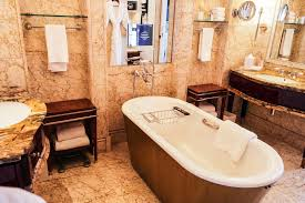 st regis singapore executive deluxe room toilet bathtub