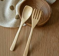 japanese wooden fork and spoon 1 fullscreen capture 982016 123443 pm