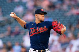Jose Berrios to Blue Jays in MLB trade ...