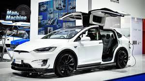 TESLA MODEL X SUV ไฟฟ้า 7 ที่นั่ง ชาร์จ 1 ครั้ง ลาก 320 กิโลเมตร