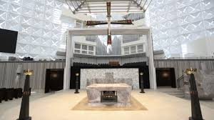 Church Interior Design Philip Johnsons Crystal Cathedral Gets A Makeover